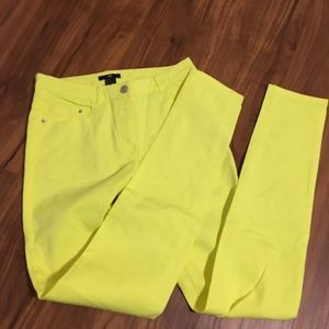 SOLD - H&M neon yellow pants size 4 never worn